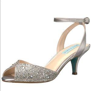 Silver Kitten heel sandal